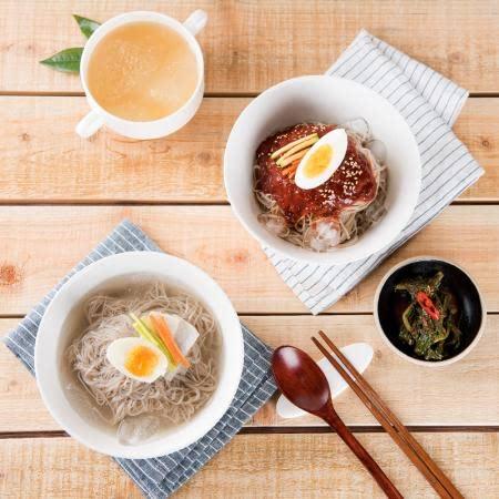 쌀로 만든 시원하고 쫄깃한 맛있는 냉면