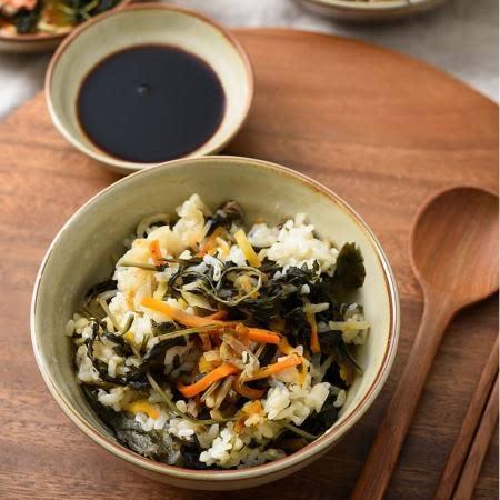 집에서 간편하게 만드는 나물비빔밥~ 전주산채비빔밥(건나물만 들어있어요^^)