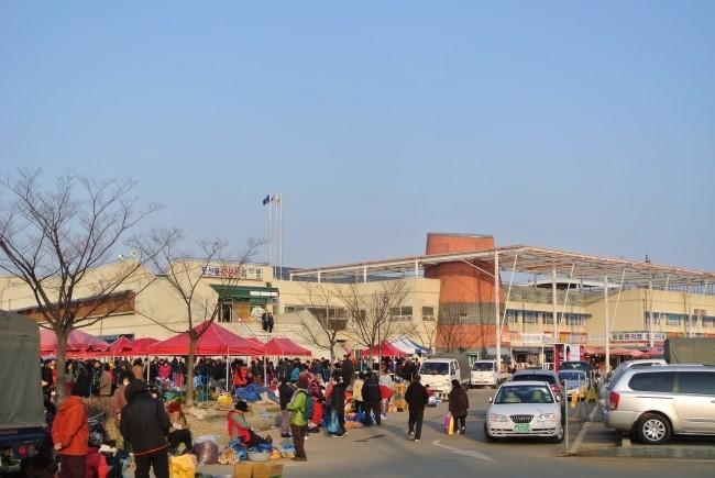 수도권에서 가까운 시골장터, 인천 강화풍물시장으로 초대합니다.
